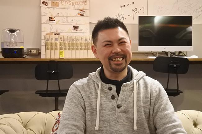 「プログラミングで何をしたいかを考えられるようにしたい」 プログラミング教材「JoinToy」を開発している株式会社あ×4代表 砂金よしひろさん 本人画像