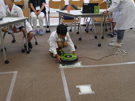 アイロボットジャパンが福島・土湯温泉にブラーバを寄贈 子どもたちにSTEM教育も STEM教育